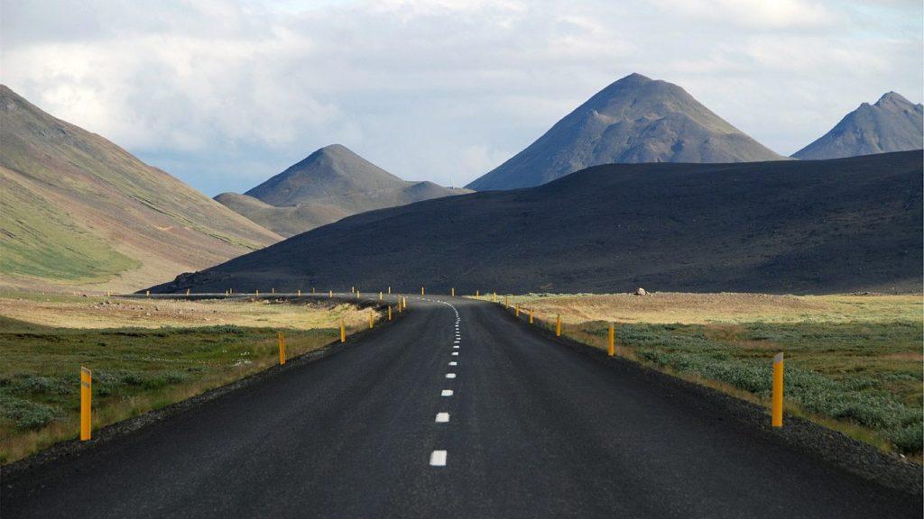 Auf den Straßen der Feuerinsel Island
