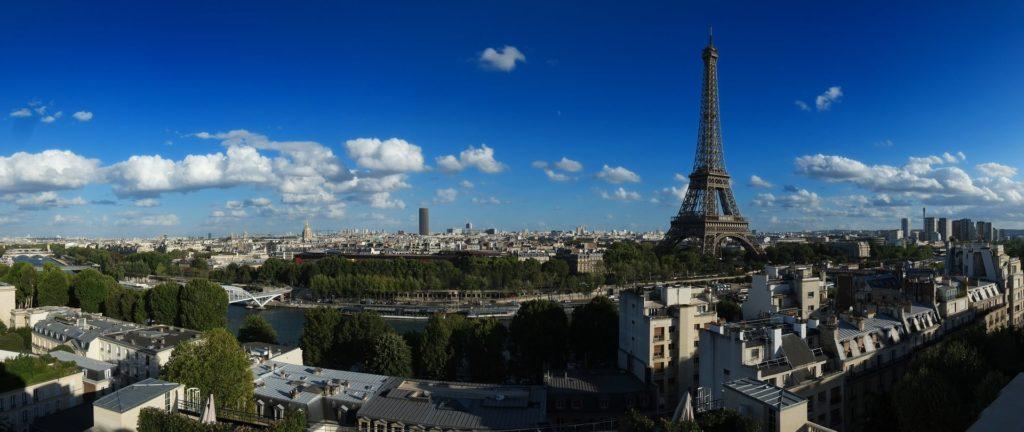 Panoramablick über die Dächer von Paris in Frankreich.