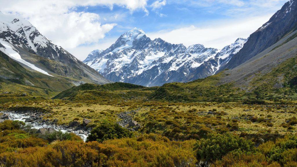 Neuseeland, ein weites grünes Land voller Berger.