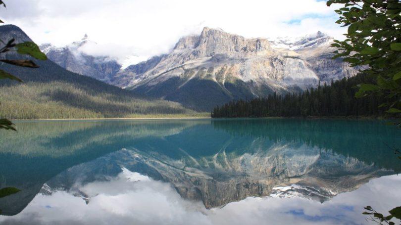 Die beeindruckende Berg-und Seenlandschaft in Kanada. Hier ist z.B. der Emerald Lake zu sehen.