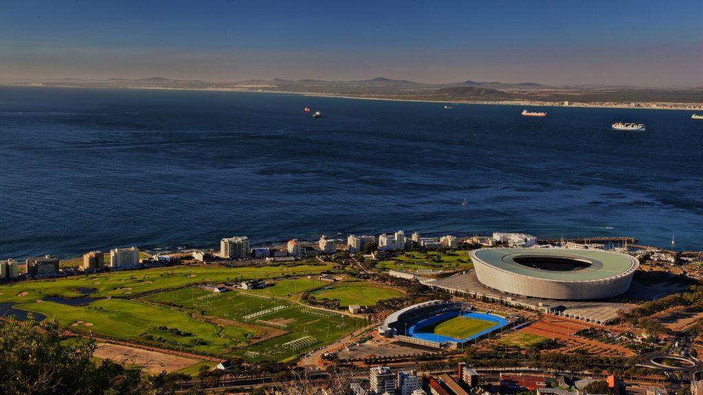 Der Blick auf Kapstadt in Südafrika von oben.