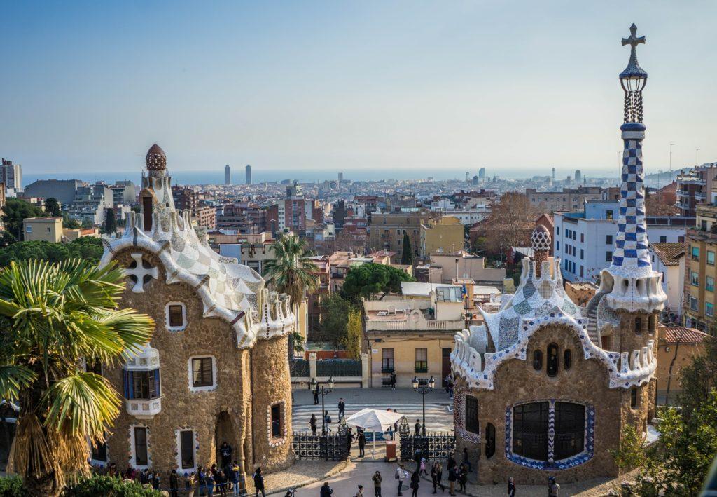 Der Park Güell von Antoni Goudi in Barcelona, Spanien.