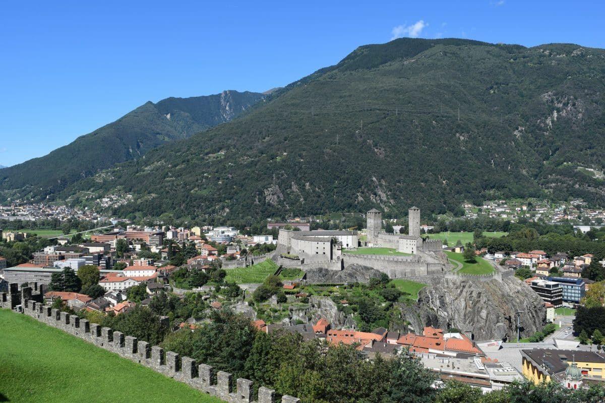 Die Stadt Bellinzona in der Schweiz