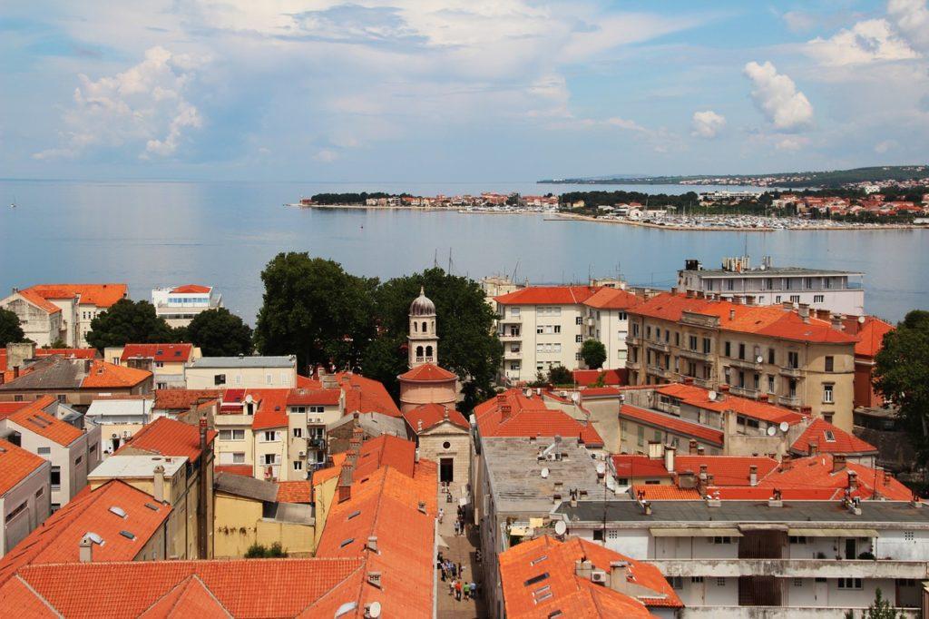 Die dalmatinische Küstenstadt Zadar in Kroatien.
