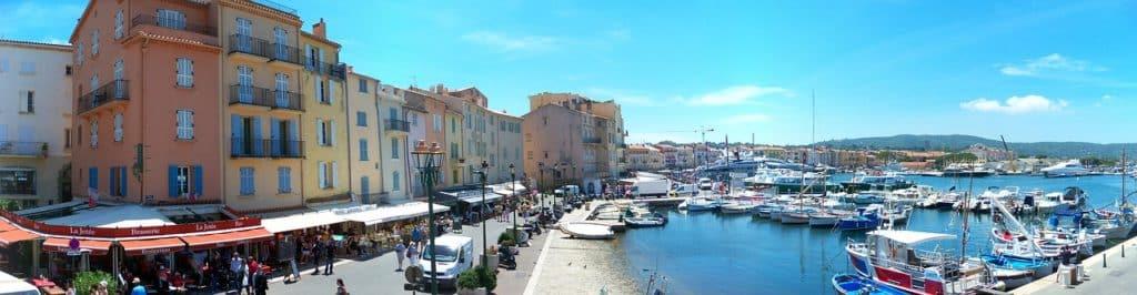 Hafen von Saint Tropez in Südfrankreich